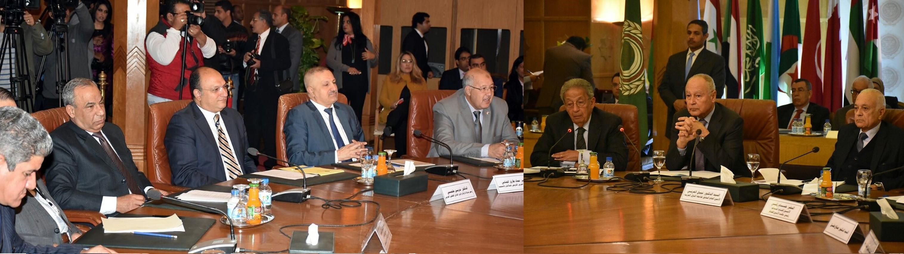 في مؤتمر بحضور زعماء الجامعة العربية الثلاثة