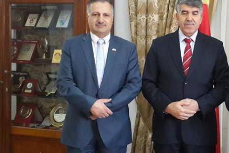 اجتماع السفير عماد طارق الجنابي مع السفير التونسي محمد الخميري